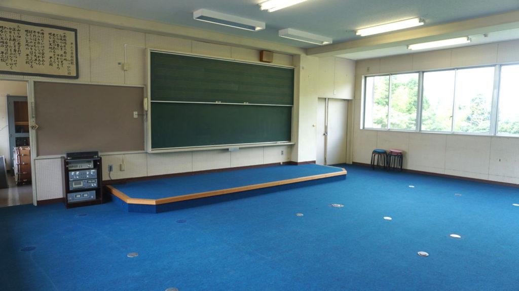 平三小学校音楽室
